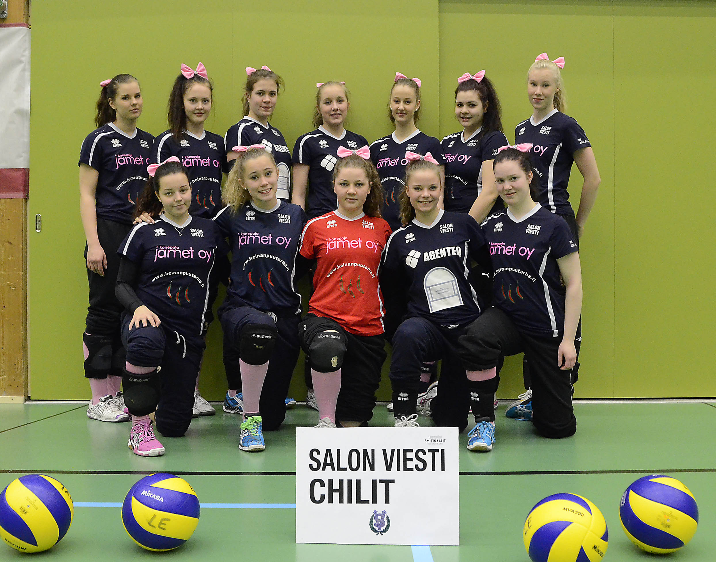 B-tyttöjen SM-finaalit, Joukkuekuvat 2013 | JUNNULENTIS.fi VALOKUVAGALLERIA